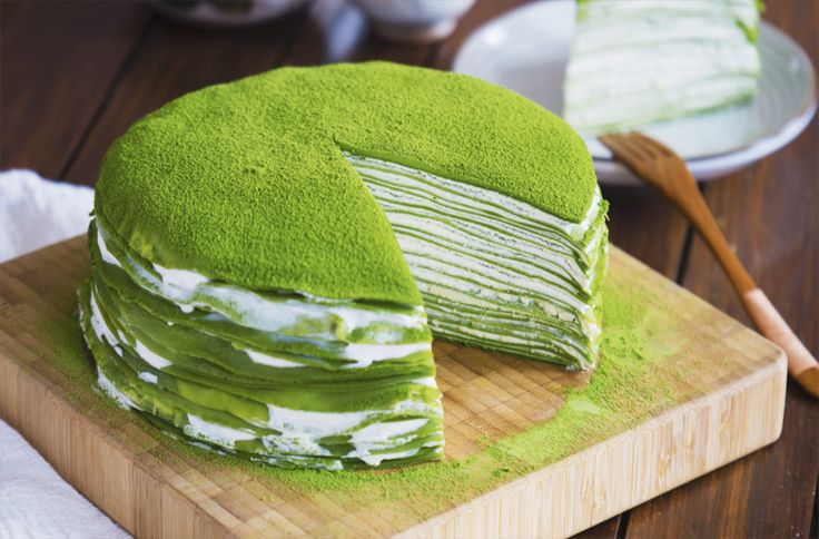 Looking for dessert ideas? Check out this mille crêpe cake made with Japanese matcha green tea powder.