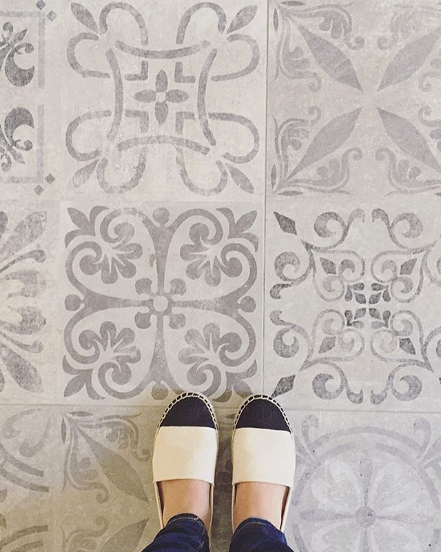 I found these tiles last minute! So happy I switched to these! #mudroom #tiles