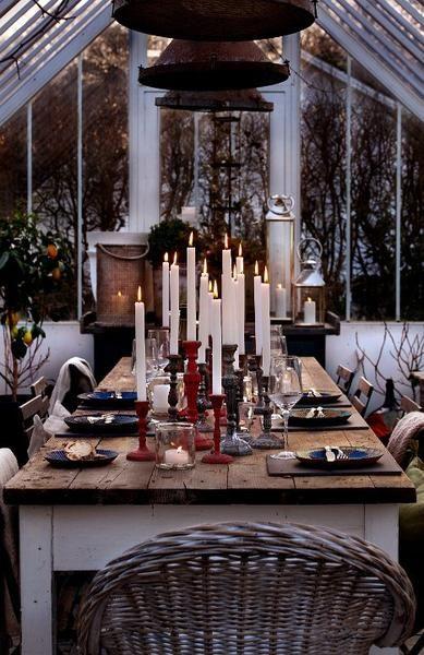Faroles de latón de diferentes tamaños Mantas, cojines, porta velas y candelabros para entrar en modo de otoño Nunca puedes tener demasiadas velas :-) Macetas