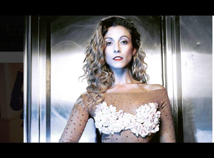 Télévision Silvia Notargiacomo virée de « Danse avec les Stars » par SMS. « En cette nuit d'étoiles filantes, je saisis l'occasion pour vous annoncer qu'une aventure se termine pour moi », a écrit Silvia Notargiacomo sur son compte Instagram, jeudi 10 août. « Une aventure humaine, celle de sept saisons de Danse avec les stars, de sept rencontres qui me marqueront a vie », écrit encore la danseuse professionnelle de 34 ans qui avait été la partenaire de David Ginola, Francis Lalanne, Gérard…