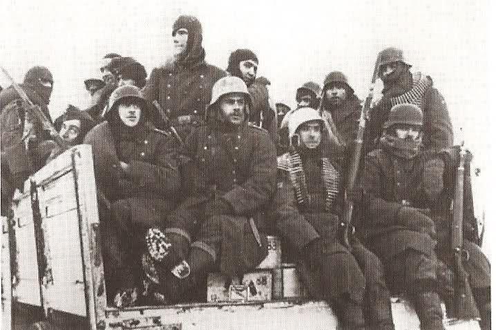 Restos del II/269 a su vuelta en Enero de 1943 de los combates en el sector de Mga (Posselok nº7 para ser exactos).alcantara.forogratis.es - Ver Tema - La 250ª Division Azul