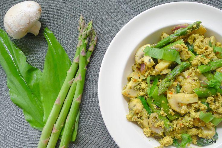 Tofu scramble met asperges en daslook recept (vegan) ~ minder koolhydraten, maximale smaak ~ www.con-serveert.nl
