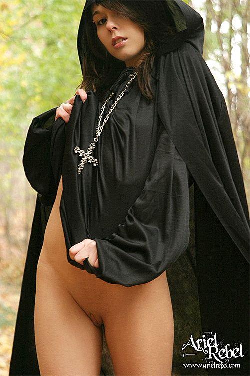 ariel rebel unplugged - black witch