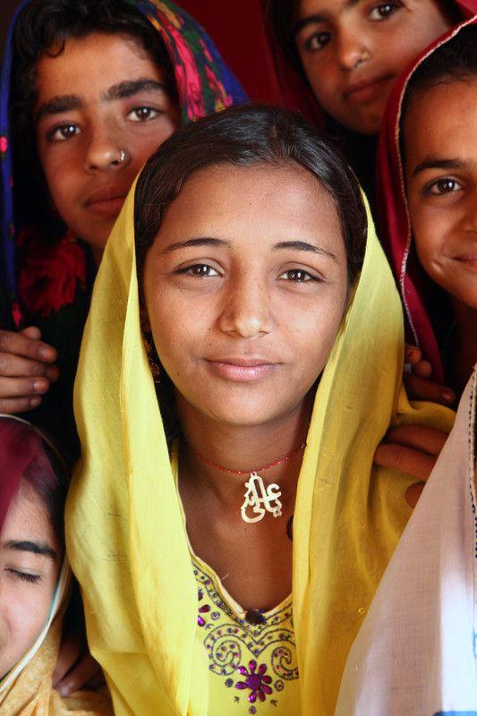 meet women in pakistan