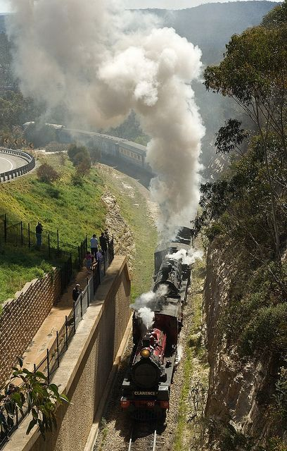C17 934, BB18¼ 1072 approaching Clarence Tunnel, Zig Zag Railway, Blue Mountains, NSW, 29th September, 2007.