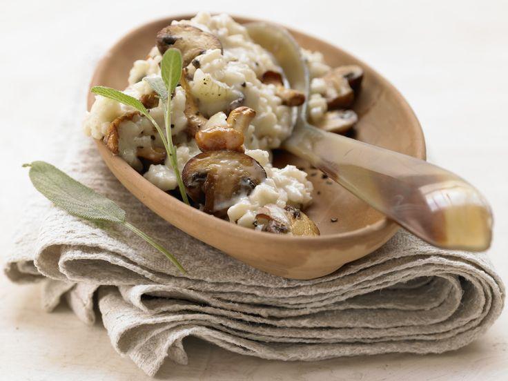 Risotto mit Pilzen – smarter - und Salbei - smarter - Kalorien: 413 Kcal - Zeit: 45 Min. | eatsmarter.de