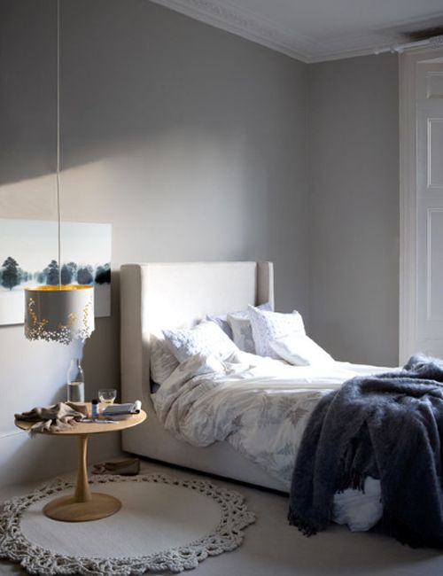 Beautiful bedside mat, hanging lamp and table combo in a nice relaxing bedroom / Poppytalk: Scrapbook: Bedrooms Round-Up (Part 1)