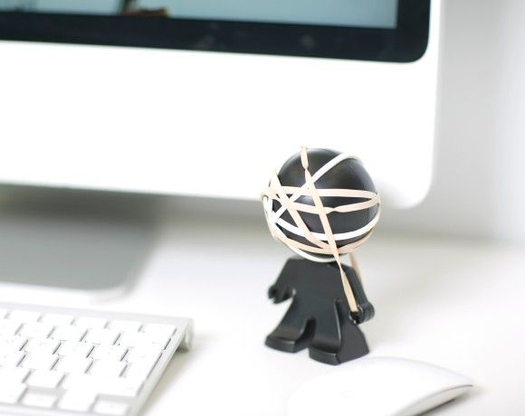 Once you get bored of flicking elastic bands at colleagues & family members, it's time to make a rubber band ball. Rafael is the perfect partner to start your collection..