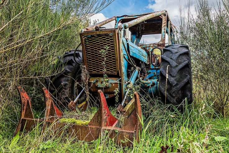 Dilapidated tractor