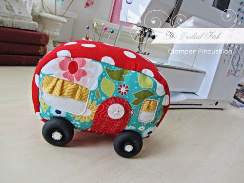 camper pincushion: Campervan Pincushions, Blake Design, Quilts Fish, Pin Cushions, Glamper Pincushions, Campers Pincushions, Riley Blake, Cutest Pincushions, Design Blog