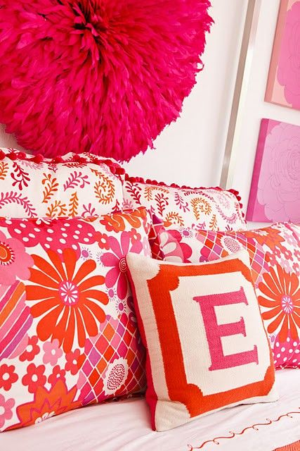 pink + orange: Teenagers Girls Rooms, Rooms Idea, Initials Pillows, Orange Pillows, Girls Bedrooms, Feathers Headdress, Little Girls Rooms, Monograms Pillows, Juju Hats
