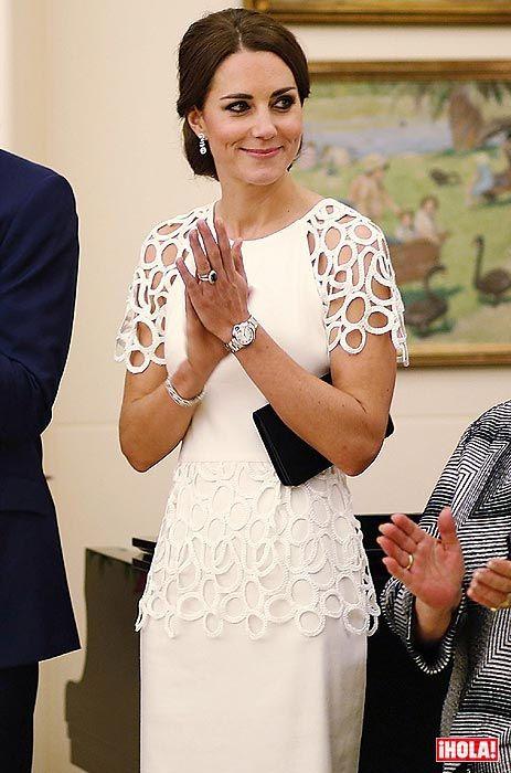 Viaje oficial por Oceanía junto a su marido, el príncipe Guillermo de Inglaterra, y su hijo, el príncipe George