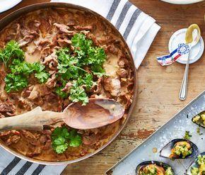 Den här höstiga pastarätten måste ni bara testa! Riktigt smakrik och krämig! Och gissa hur lång tid det tar att laga den här pastan? Bara 20 minuter och med ingredienser som troligtvis finns...