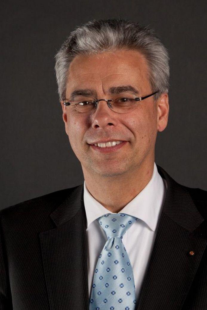 Jan Brenninkmeijer, burgemeester Waalre - Waalre strijdt tegen illegale bewoning