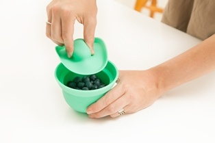 Ideal for baby food and toddler snacks.    Squeeze to open suction  lid.  You will love using these AdoraBOWLS in all stages of your baby's meal preparation.  Safe in the: fridge/freezer, microwave/oven (up to 240C), dishwasher. www.weanmeister.com.au