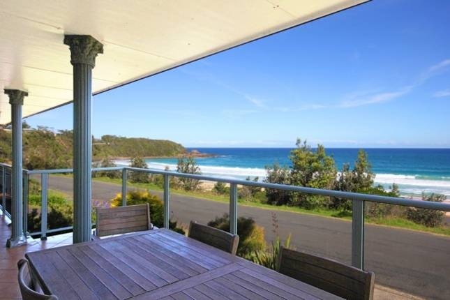 swell Mollymook Beach north end - $700/Fri & Sat - 3 bedrooms sleeps 9, 2 apartments, linen extra cost