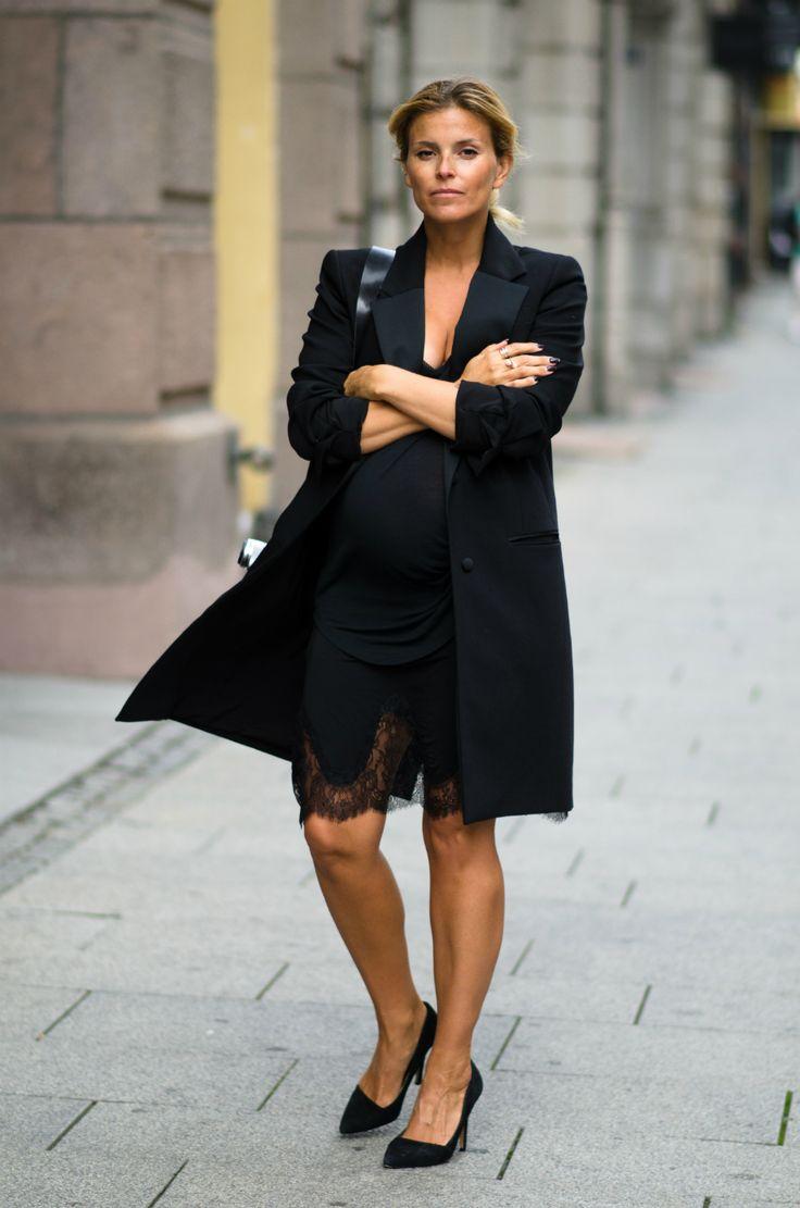 Style...Janka Polliani // All black maternity chic