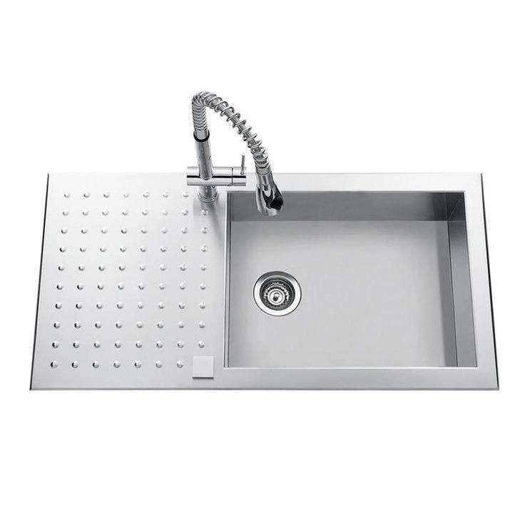 295,20€ 100X50 Un évier innovant avec son look ultra moderne. On aime l´égouttoir à picos. La cuve  possède de grandes dimensions. On peut facilement faire la vaisselle des faitouts et autres grands récipients.