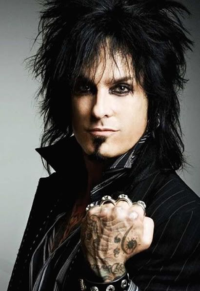 I miss the trend of guys with black eyeliner!