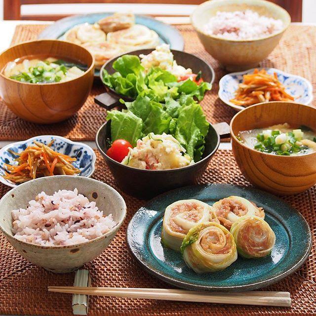 2016/2/4 木 #晩ごはん ・ ✳︎ロール白菜 ✳︎ポテサラ ✳︎金平ごぼう ✳︎大根のお味噌汁 ・ 昨日に引き続き今日も巻き巻き〜 ロール白菜、ククパを参考にいつもと違う巻き方で ・ コメントお返しお休みします いつもありがとうございます ・