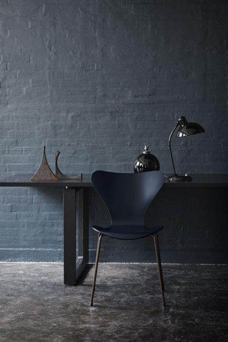 Arne-Jacobsen-chair-anniversary-04