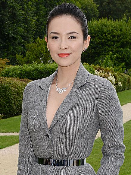 Crouching Tiger Star Zhang Ziyi Says 'Yes' When Engagement Ring Is Delivered by Drone http://www.people.com/article/crouching-tiger-star-engagement-ring-by-drone