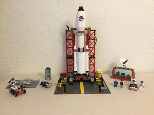 LEGO City Space Center (3368) 100% Complete w/ Minifigs + BONUS Space Moon Buggy
