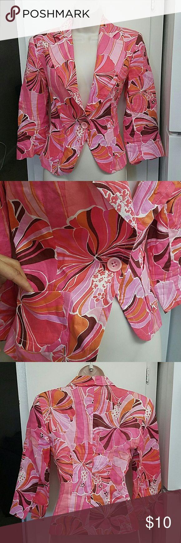 Zara pink flower print blazer In good condition lightly worn very cute stylish blazer haves 2 small pockets in front Zara Jackets & Coats Blazers