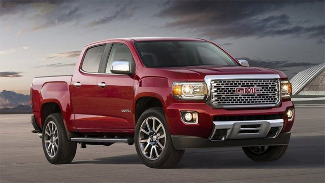 Interior sophistication is the unique selling proposition of the 2017 GMC Canyon Denali. In the interior of this vehicle, you'll find perforated leather seats.