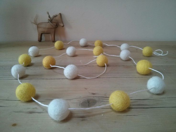 Daisy chain feltball garland, nursery decoration, girls room, home decor, hanging, bunting