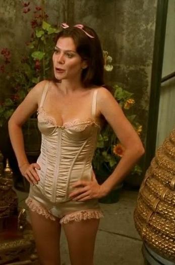 showstar nude Arina model