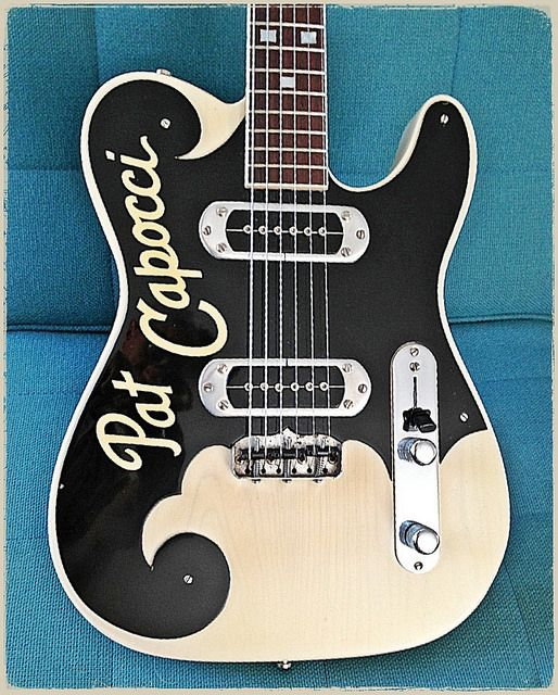 TK Smith Custom Guitars