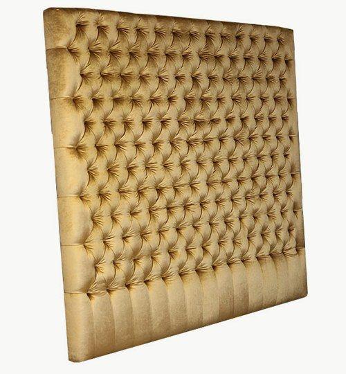 Sänggavel, 100% designad efter kundens önskemål. Bredd 200 cm,höjd 180 cm, tjocklek 13 cm. Totalt 162 knappar, djuphäftade knappar, extra djupa, extra tätt mellan knapparna, extra tjock sänggavel. Beslagslist för upphängning på vägg ingår. Sammet: Ballroom Blitz från Nevotex Färg: NK-1735 guld #azdesign #sanggavel #huvudgavel #guld #sovrum #exklusiv #djuphaftadsanggavel #sanggavelmedknappar