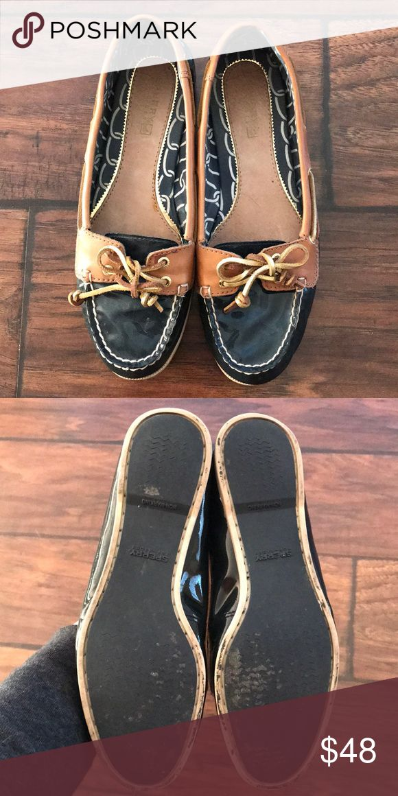 Sperry Top-Sider Navy Blue Boat Shoes Size 7 Super cute navy and brown boat shoes with gold laces! In good used condition Sperry Top-Sider Shoes Flats & Loafers