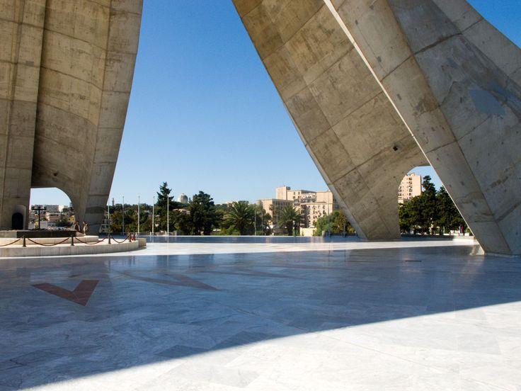 Alger_Memorial-du-Martyr1
