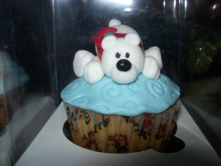 Cupcakes de navidad, pedidos cel y wsp 3008319050, buscanos en facebook como muffisyponquespasteleria, distribuimos a toda la costa atlantica. buscanos en www.facebook.com/MuffisYPonquesPasteleria