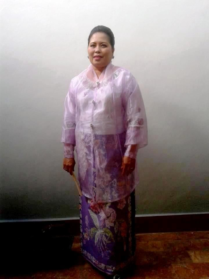 how to wear kebaya Ambon