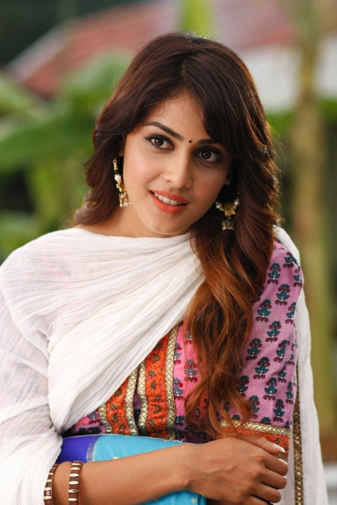 are you ready for Genelia D'Souza Likes And Dislikes. Genelia D'Souza has been the favorite of so many people. Her innocent looks and gentle way of speaking has taken away the heart beats of so man…