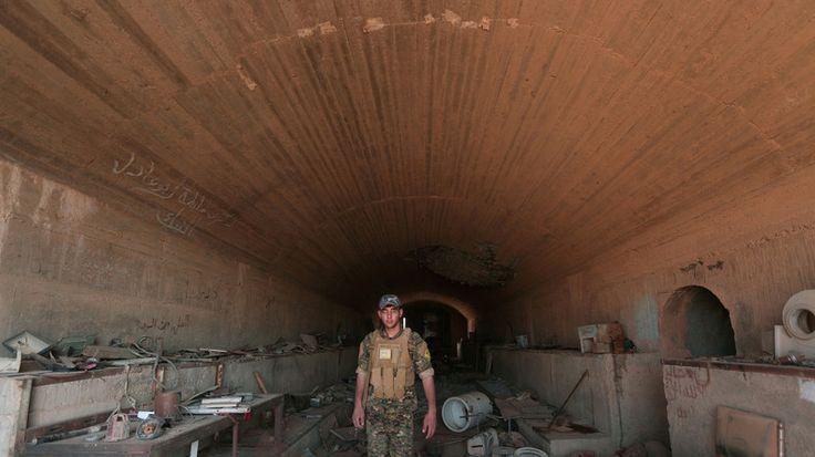 Le Pentagone a commencé à armer les combattants kurdes en Syrie  LES NEOCONS FOUTE LA MERDE PARTOUT DANS LE MONDE PAS CHEZ  EUX(SURTOUT CHEZ LES AUTRES NATIONS)