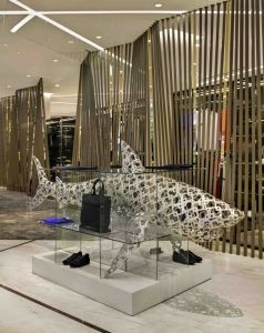Italian luxury retailer Coscia exports whimsy and surprise to its new Shenzhen, China, store. More here:  http://vmsd.com/content/unwrapping-gift (Photography: Richard Cadan, Fairfield, Conn.)