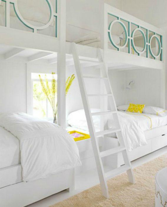 La cama de dos pisos.