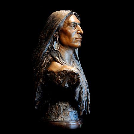 Artist Sunti Pichetchaiyakul  Crazy Horse http://suntiworldart.com/legends-1.html