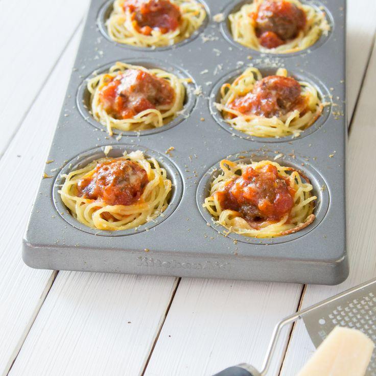 Spaghetti mit Fleischbällchen 2.0:Mit diesen kleinen, herzhaften Muffins kannst du bei deinen Gästen sicher Eindruck schinden!