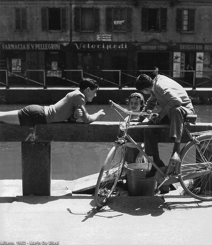Italian Vintage Photographs ~ #Italian #Vintage #Photographs ~ Cinque continenti in bici - Milano, 1962.