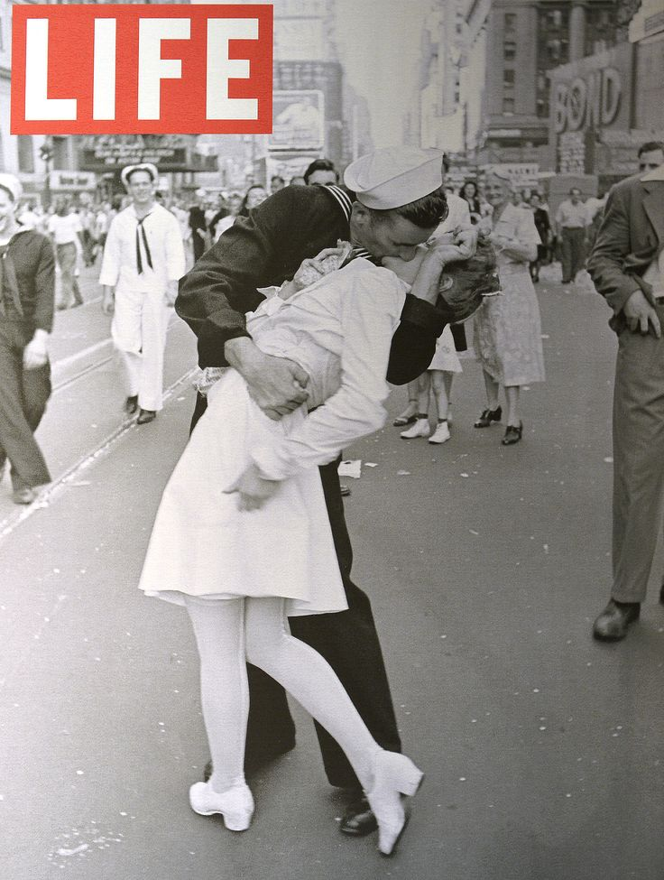Kissing Sailor in WWII Life Magazine Cover Photo Dies | POPSUGAR Celebrity