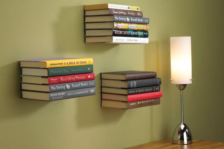 zwevende boekenplanken van umbra