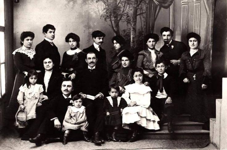 Pontuslu Rumlar 1900 yilları.Trabzonun meşhur fotoğrafçı ailesi Kakuliler