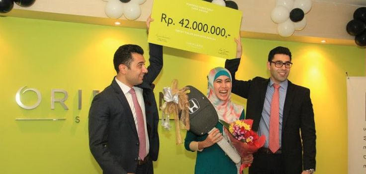 Diamond Recognation Get Cash Award 42 mio and New Honda CRV from Oriflame