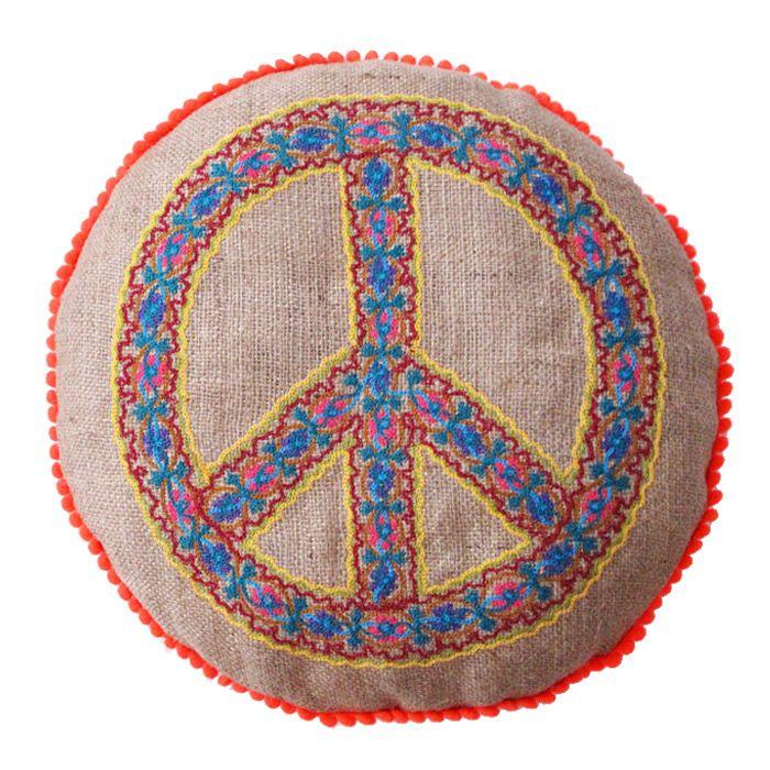 63 best almohadones shynka images on pinterest colors for Decoracion hogar hippie