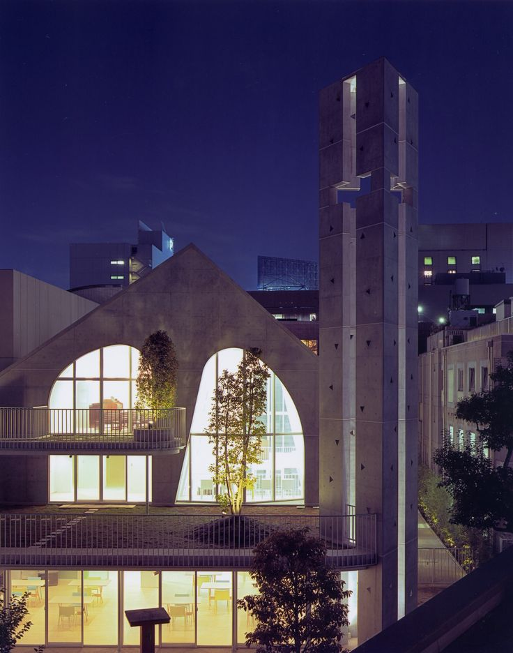 Harajuku Church / Ciel Rouge Gallery